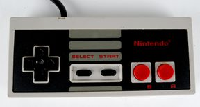 Nintendo 8-Bit Controller (004) NTSC / USA (Compatible With SCN NES Console)